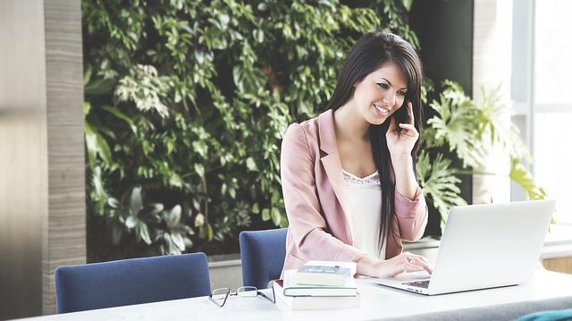 Telefony komórkowe i przekaz informacji