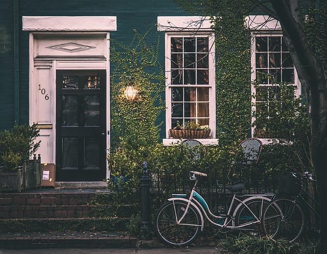 Naklejki na ścianę – piękny elementy dekoracyjny za nieduże pieniądze