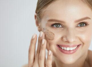 Czy warto stosować peeling do twarzy?